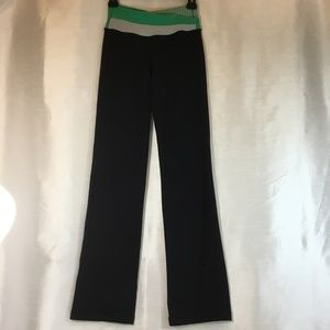 Lululemon Women Boot Flare Leg Astro Leggings Sz 4